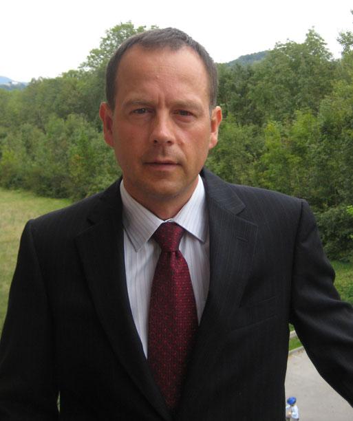 Odvetnik Toma� Avsenik