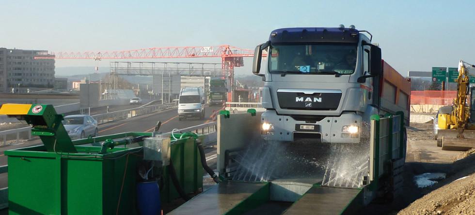 MobyDick - Za čiste prometne površine Svetovni prvak v pranju koles in podvozij tovornih vozil