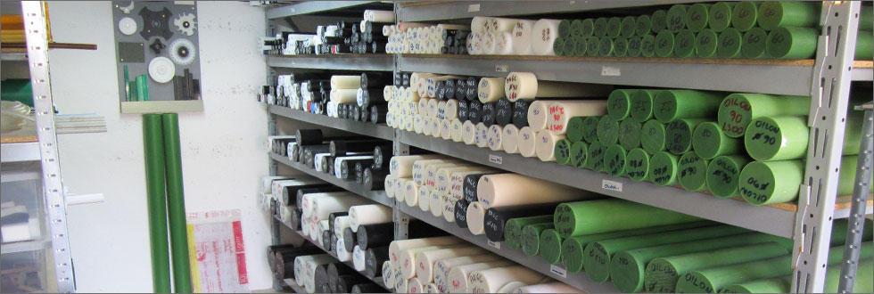 ZALOGA PLASTI�NIH  PALIC   Na zalogi imamo plasti�ne palice razli�nih kvalitet in dimenzij