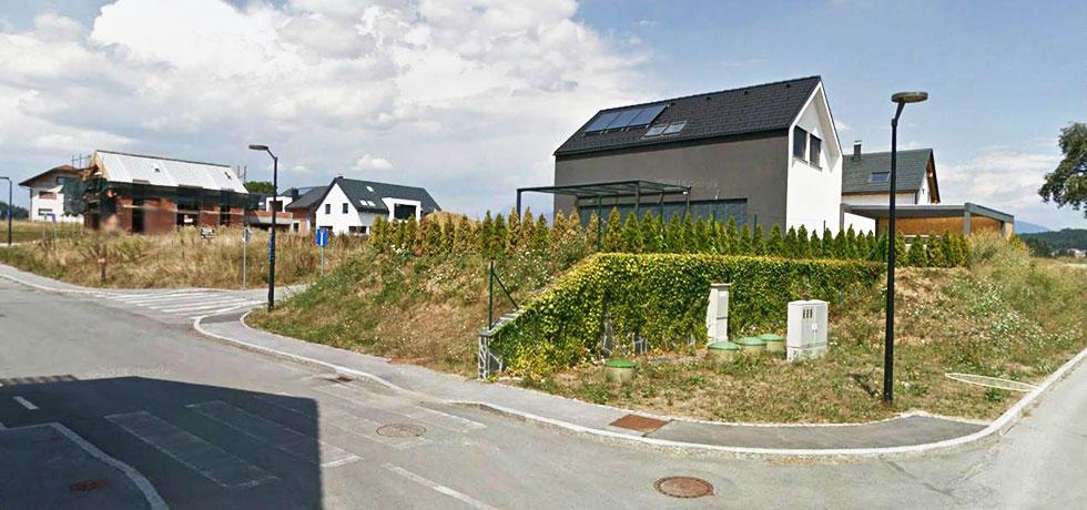 OD IDEJE DO IZVEDBE   Na za�etku je bil travnik in ozka va�ka pot... Danes stoji moderno, komunalno urejeno naselje.  PREBERI VE�