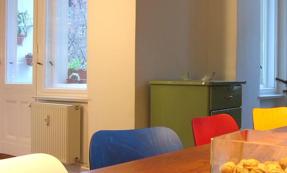 Prezračevanje bivalnih prostorov Prezračevalni sistemi LUNOS zagotavlja prijetno in čisto higiensko prezračevanje vseh bivalnih prostorov in suhe stene brez plesni.  Izboljšajte si kulturo bivanja in spustite svež zrak v vaš prostor. Preberi več
