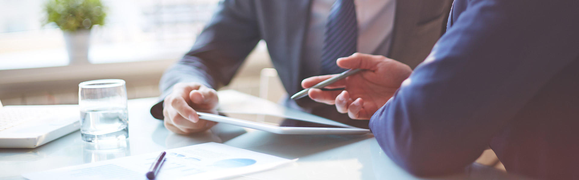 Kompenzacije Verižne kompenzacije so večstranski dogovor za pobot obveznosti in terjatev in omogočajo učinkovit način unovčevanja terjatev.