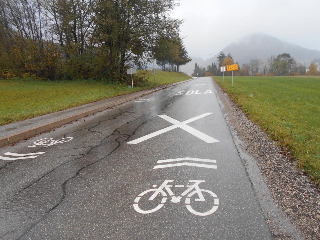 Talne oznake za kolesarje v okolici OŠ Mislinja